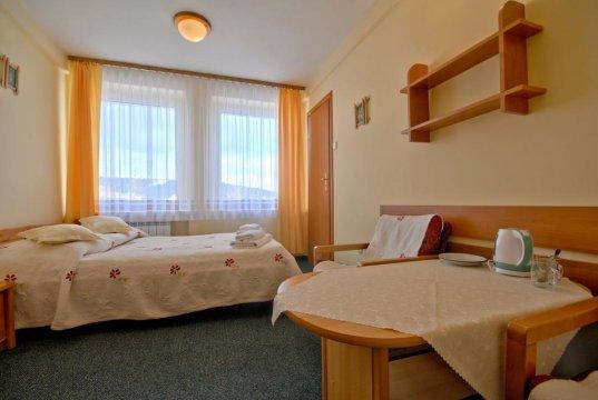 pokój 2 os z łóżkiem małżeńskim  - Ośrodek Wypoczynkowy Start | Pokoje 3 minuty od Krupówek | Plac zabaw