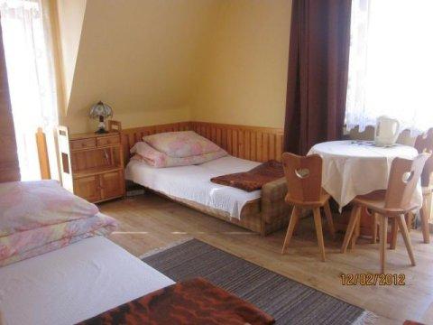 pokój trzyosobowy - Pokoje gościnne Anna Skowyra | blisko szlaków turystycznych | odpoczynek w ciszy