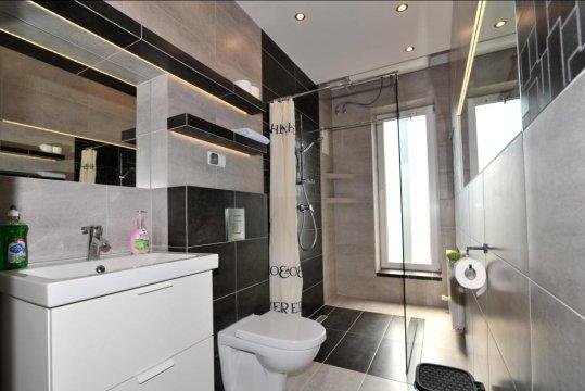 łazienka, ap.60mkw, 2 pietro