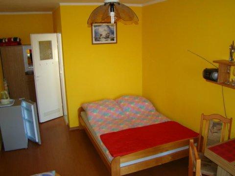 pokój 3-osobowy - Pokoje gościnne Paweł w Swarzewie | Plac zabaw, miejsce na grilla