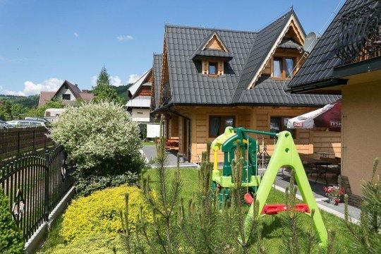 Ogród i Plac zabaw i gril