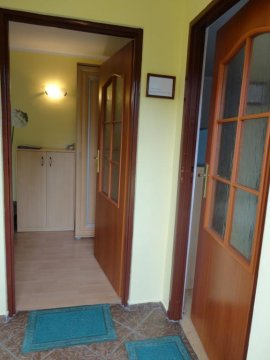 Wejście niezależne do dwóch pokoi pokoi