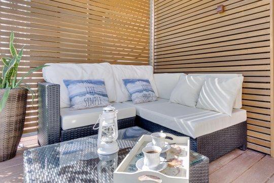 taras - Apartament z ogrodem, tarasem i garażem