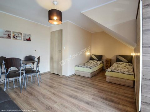 Pokój 4 os. z łazienką i balkonem