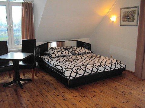 apartament 2-3 osobowy z łazienką,łóżko małżeńskie + pojedyncze,tv,wi-fi,lodówka,czajnik,balkon.Kołobrzeg noclegi-Noclegi Kołobrzeg-blisko morza-Willa Al Faro
