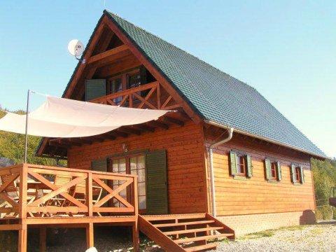 Chata w słońcu
