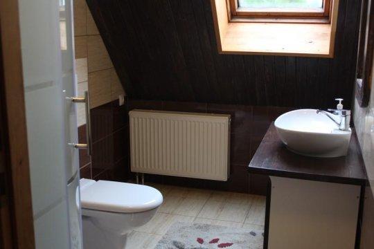 łazienka na piętrze - Mazurska Chata Czepiela