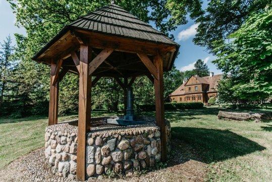 Barokowy Dwór w Paplinie | nocleg w wyjątkowym miejscu
