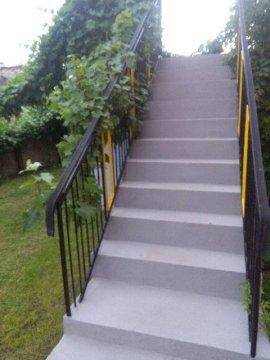 oddzielne wejście do mieszkania przez taras