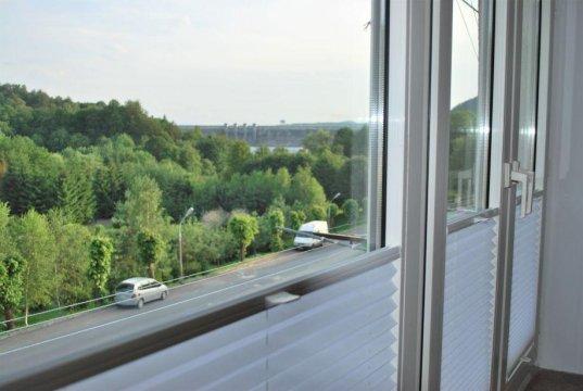 widok z salonu - Apartament Solina z widokiem na zaporę