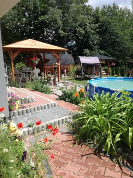 Ogród willa na górce