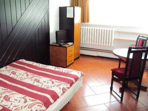 pokój 2-osobowy ze wspólną łazienką,tv,WiFi