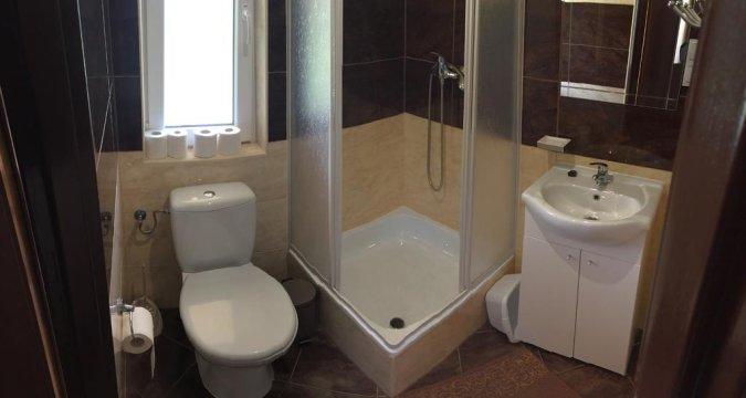 łazienka domek 4-osobowy - Chatkiagatki