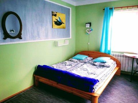 pokój nr 10, Kolorowa Żołna, trzyosobowy z łazienką, TV Sat, lodówką. Możliwość dostawki