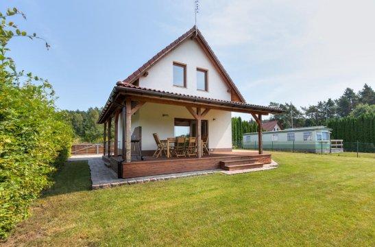 Dom Wakacyjny Amber House | 100 metrów do jeziora