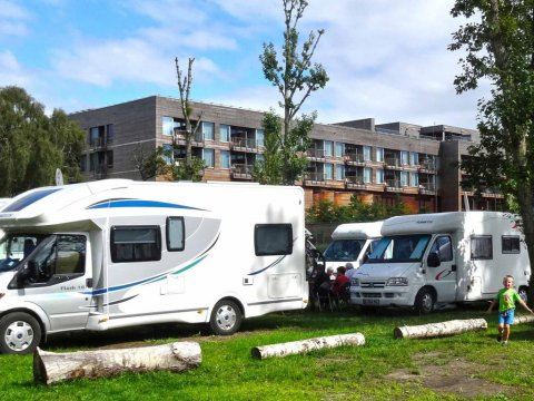 Stanowiska campingowe