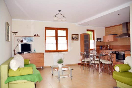 salon z aneksem kuchennym - Villmaris Apart 5