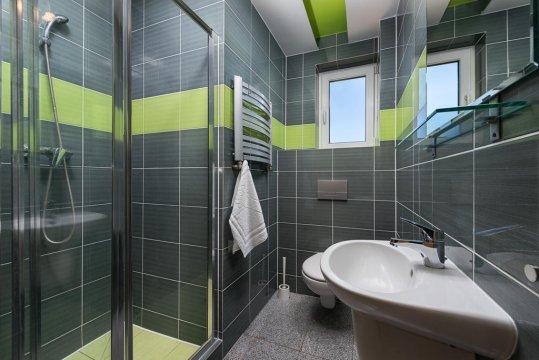Przystań Rozewie - łazienka w pokojach