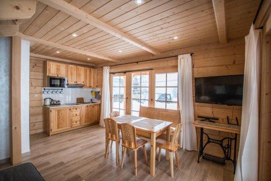 Parter - pokój z aneksem kuchennym