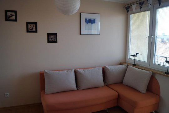 kanapa narożna w drugim pokoju