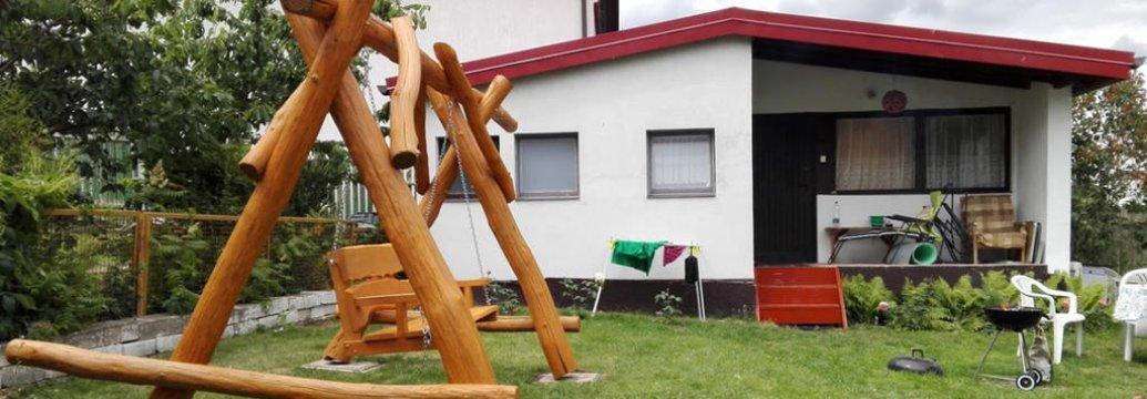 Domek i widok na ogród