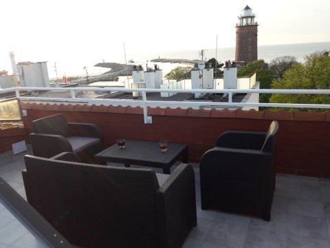 Apartament z pięknym widokiem na morze i latarnię morską 100 m od plaży
