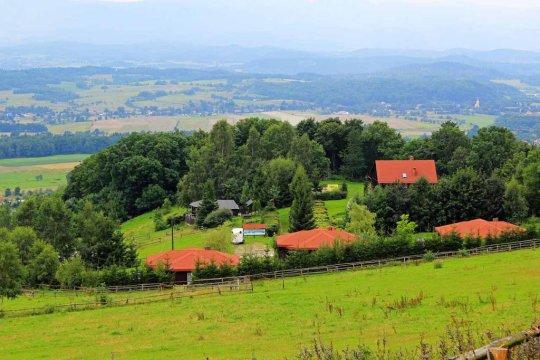 Widok na ośrodek Szałas Muflon - Szałas Muflon - pokoje z widokiem na Karkonosze - jazda konna - domowa kuchnia