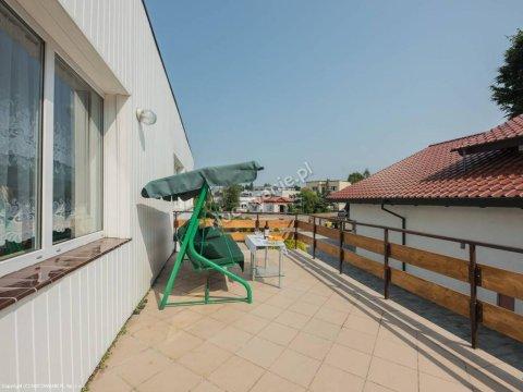 PRL+ Komfortowe pokoje 200 metrów od morza. Jacuzzi, sauna do dyspozycji gości