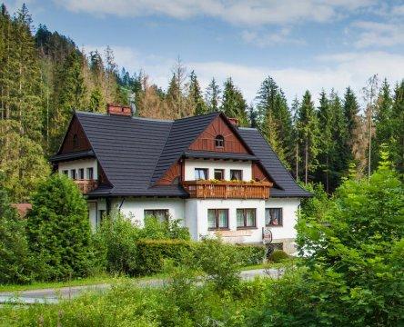 Willa Wisełka - komfortowe pokoje z wyżywieniem | blisko lasu