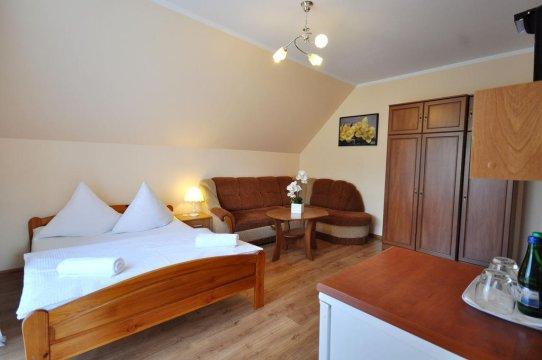 Pok.nr.1 pokój z dużą łazienką i balkonem od 2-4 os.