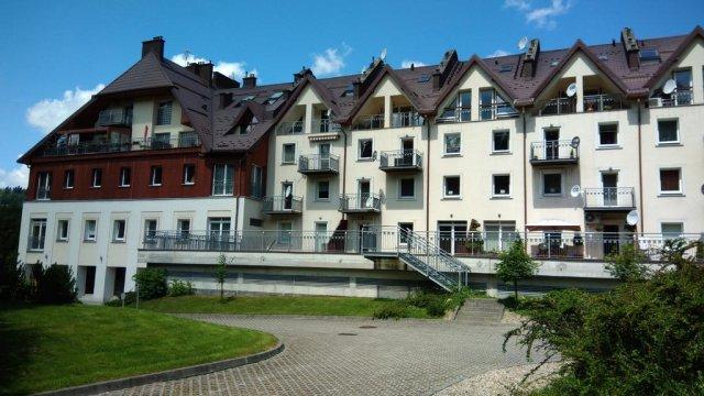 Apartamentowiec od ogrodu