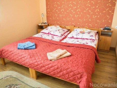 Dom Wczasowy Grażyna. Komfortowe pokoje w doskonałej lokalizacji.