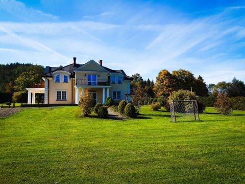 Willa Kamieniec. Komfortowe pokoje i domki w Bieszczadach