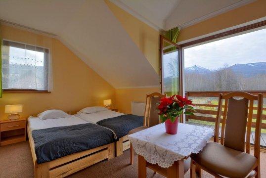 Sasanka. Pokoje gościnne i apartamenty z balkonami
