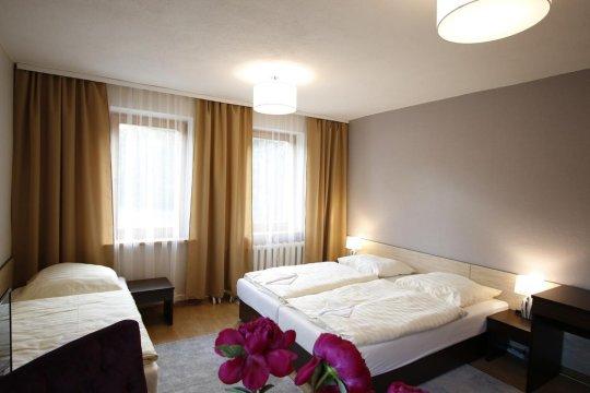 Apart Home. Pokoje i apartamenty z łazienkami w Górach Stołowych