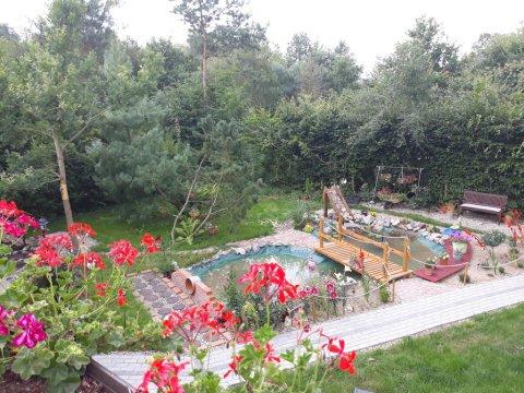 """""""Dworska Zagroda"""" agro-gospodastwo koło Szczecina z basenami i eko-żywnością."""