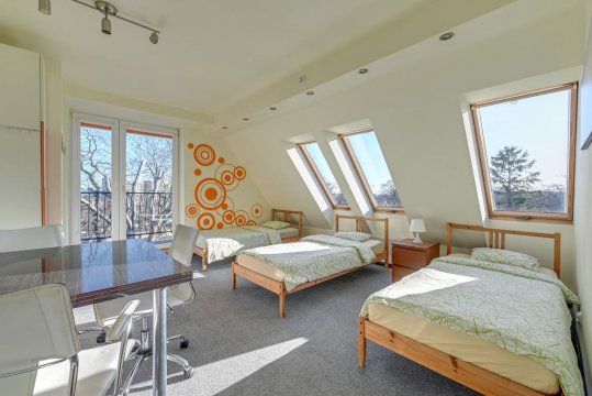 3-os Standard z balkonem i wokiem na morze