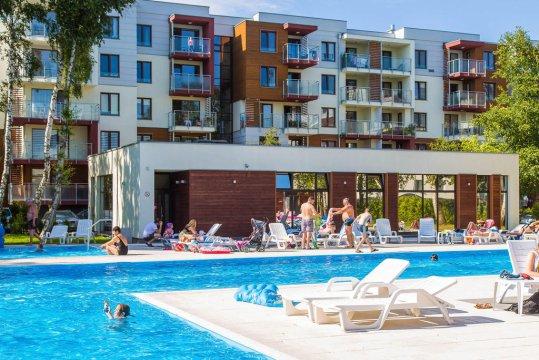 Basen - Apartament Pomarańczowy z balkonem. Osiedle Polanki z basenem. 300 m. do plaży