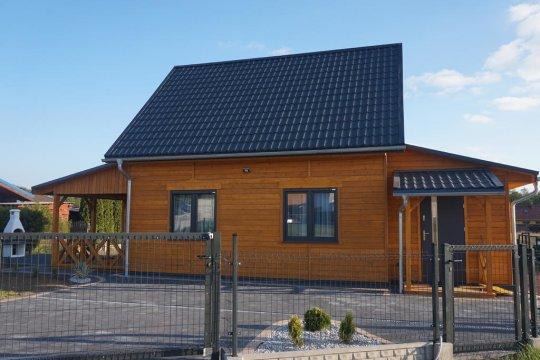 Zapraszamy do nowego dwupoziomowego domku. Idealny dla rodzin i znajomych.