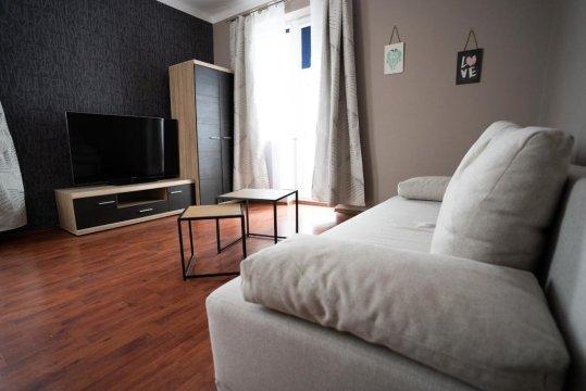 Good Night. Komfortowy hostel w spokojnej okolicy w pobliżu lotniska Okęcie