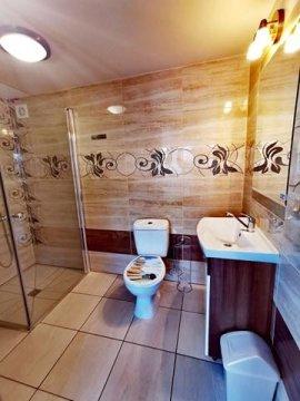 """Pokój nr 01, dwuosobowy z łazienką na parterze  - """"Villa Krysia""""  SUPER CENY!!!"""