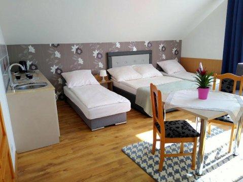Pokój 4 osobowy - Pokoje gościnne u Ewy Karwia/Sławoszynko