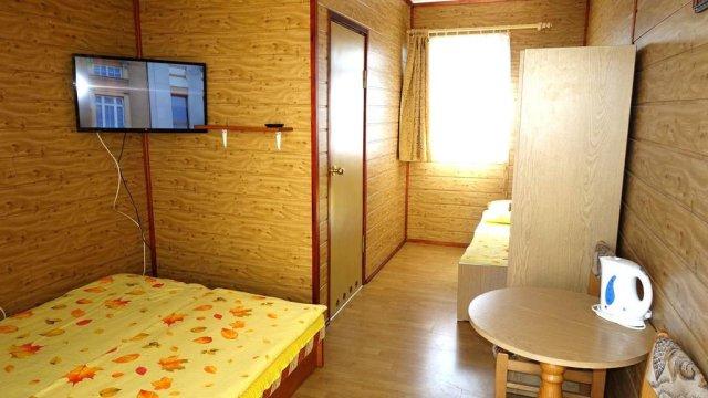 pokój 2 lub 3 osobowy z łazienką - IZABELLA - pokoje z łazienkami, TV, wifi, kuchnia, plac zabaw- BONY TURYSTYCZNE