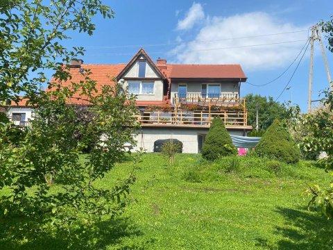 widok z ogrodu  - Apartament w pięknej i spokojnej okolicy Kłodzka