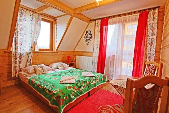 Pokoje Małgorzatka. Kameralna atmosferara, góralski styl, spokojna okolica.