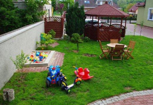Piaskownica na podwórku