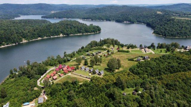 Bieszczadzki Raj Luksusowe 8 osobowedomki nad samym jeziorem
