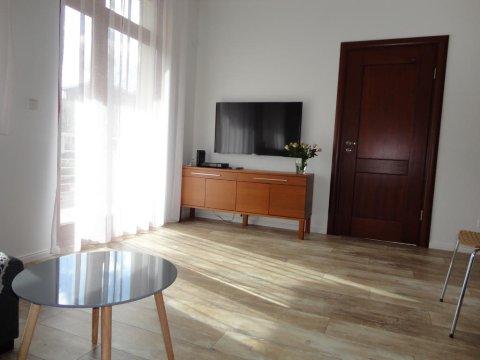 Apartament 80 metrów od morza z dużym słonecznym balkonem