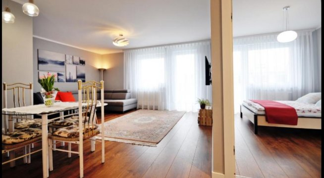 Apartament JARZĘBINA z balkonem. Pełen komfort dla 4 osób. 250 metrów  od morza