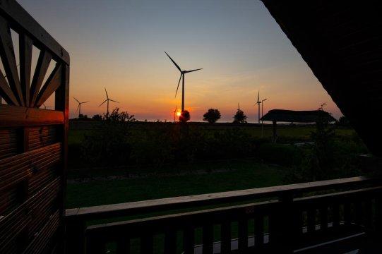 www.pensjonatdarlowo.eu -  Pod Strzechą-Darłowo w cichej, spokojnej z dala od miejskiego zgiełku okolicy.